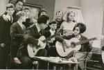 """Foto aus der TV-Sendung """"Gitarre für alle"""" mit Melitta Heinzmann um 1965"""